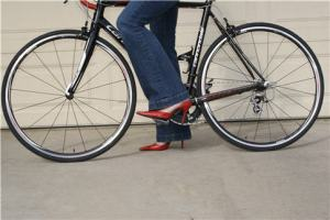 redheels_bike2