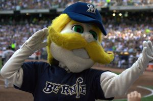 800px-Bernie_Brewer_in_crowd